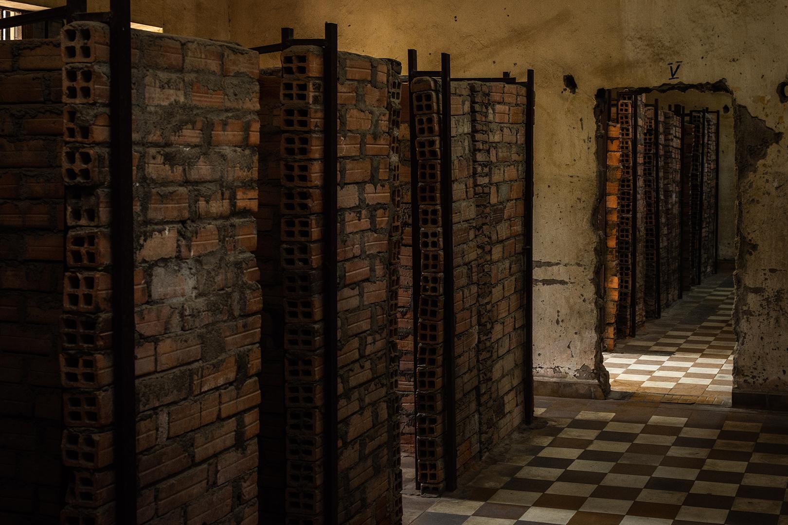 Fotografía das diminutas celdas de Tuol Sleng   Sergio Casal ©